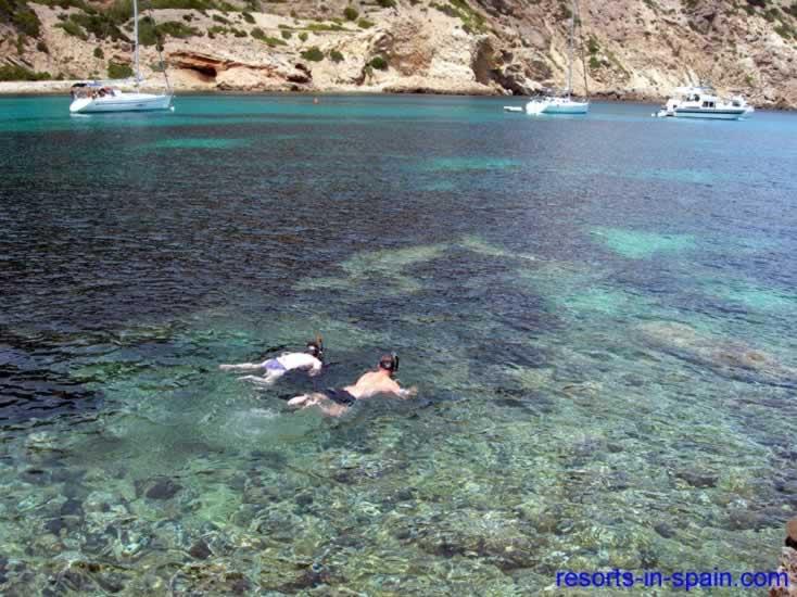 Cala Llonga Map, description, photographs, hotel map